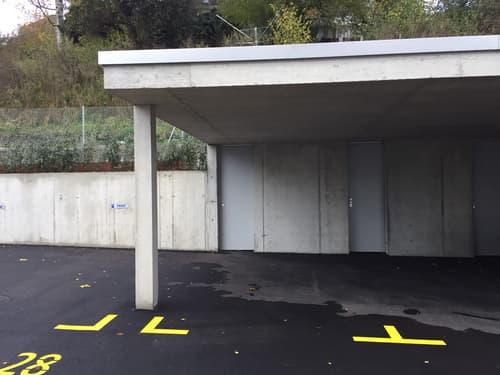 gedeckter Parkplatz mit Carport in Köniz
