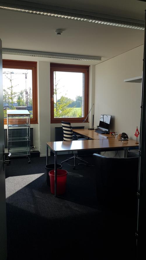 Büro in Pf3 helle Büroräume an idealer Lage in Pfäffikon SZ zu vermieten (Untervermietung)äffikon SZ