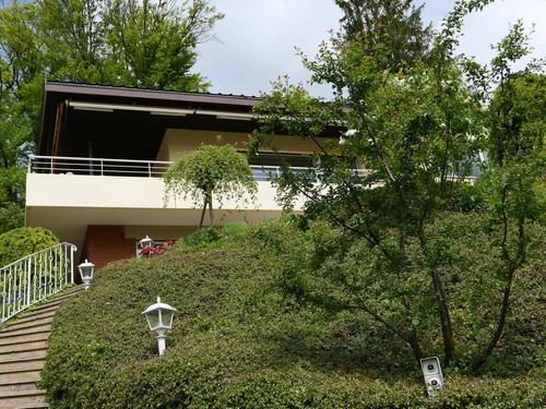 Freistehendes 5-Zimmer Einfamilienhaus mit Garten in Hölstein (1)