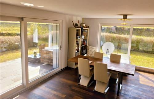 Moderne  Garten Wohnung  in Küsnacht