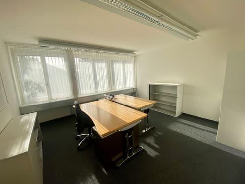 Attraktive möblierte Büroräume in Pfäffikon ZH zu vermieten (1)