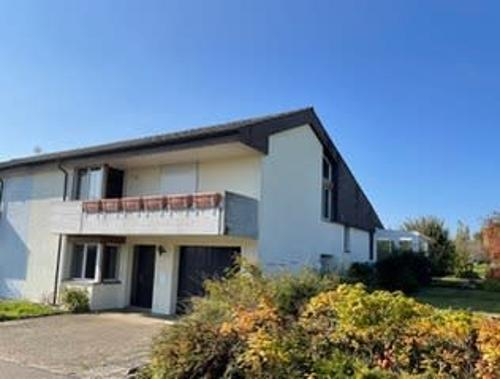 Doppeleinfamilienhaus mit grossem Garten und Wintergarten (1)