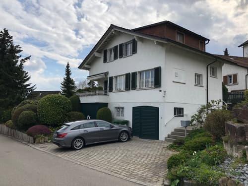 Freistehendes 5-Zimmer-Einfamilienhaus mit Einzelgarage auf Parzelle mit grossem Baulandpotenzial (1)