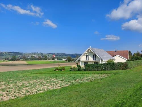 Einfamilienhaus mit grossem Garten und Weitsicht (1)