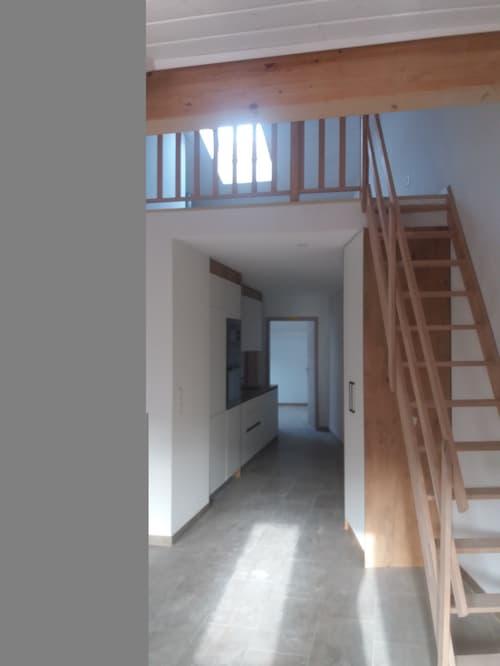 Bel appartement aec mezzanine dans immeuble rénové à Moudon composé (1)
