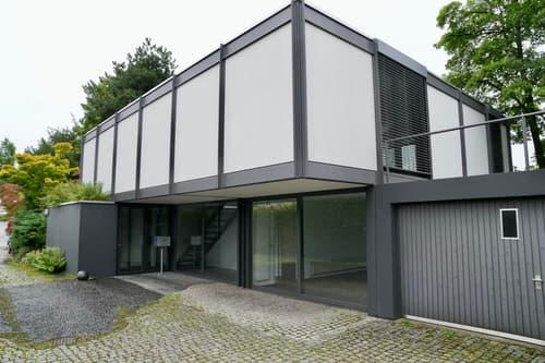 Einfamilienhaus in konstruktivistisch geprägter Architektur - mit Seesicht