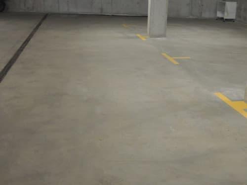 Beispiel Einstellhallenplatz