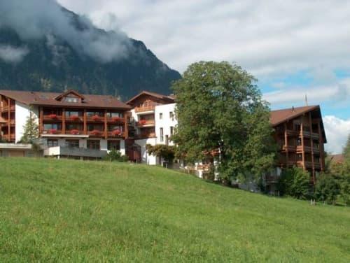 Hotel mit herrlicher Sicht auf den Thunersee / 138