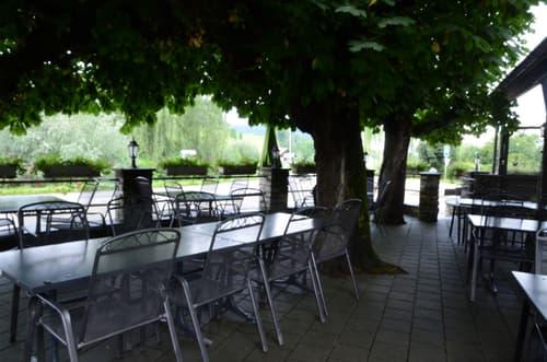Regional bekanntes Restaurant mit Gartenterrasse