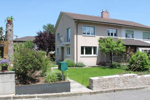 Doppeleinfamilienhaus an ruhiger und sonniger Lage