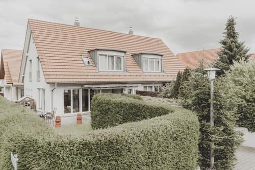 Templum  attractive detached family home - attraktives freistehendes Einfamilienhaus