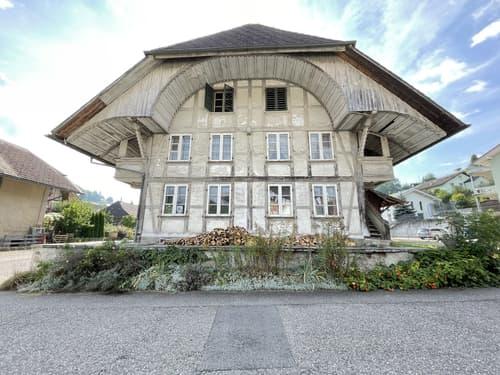 Haus aus vergangener Zeit zum Renovieren!