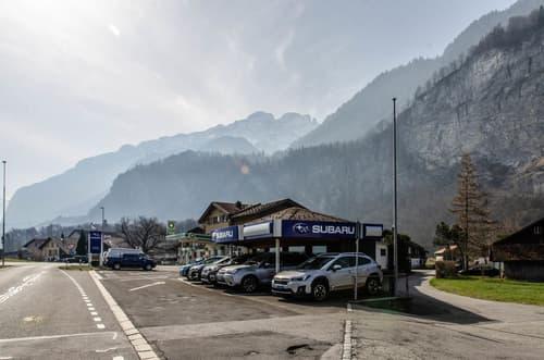 Autounterstand in Meiringen