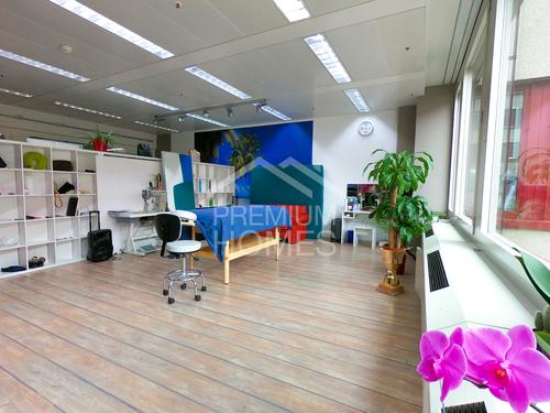 Adäquat für Büros, Showroom oder Atelier!