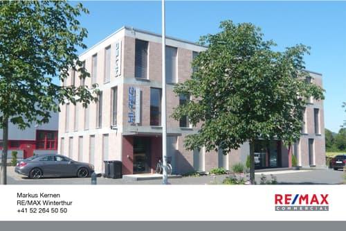 Modernes, repräsentatives und gepflegtes Büro-/Gewerbehaus mit Sicht ins Grüne