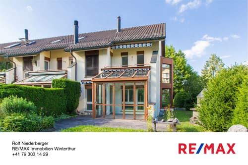 Älteres 4 ½-Zimmer-Eckhaus mit Wintergarten, viel Potential und Carport