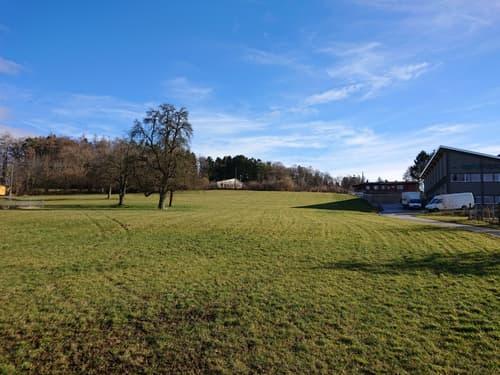 Gewerbebaulandgrundstück mit 6'450 m2 in Flughafennähe