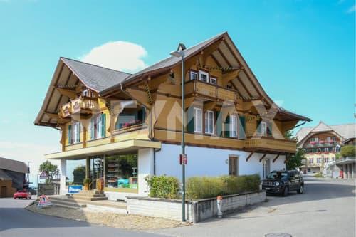"""Saniertes Wohn- und Geschäftshaus mit Cachet & Geschichte... im """"Vreneli-Dorf"""""""