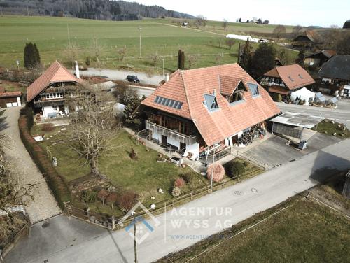 Agentur Wyss AG: Edle 5.5 Zi. Maisonette-Wohnung