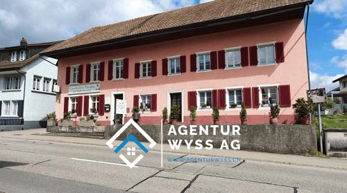 Agentur Wyss AG: Attraktives Wohn- und Geschäftshaus in Wolfwil