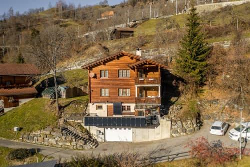Rustikales Zweifamilienhaus an idyllischer Lage