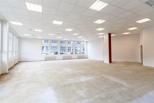 Büro- / Gewerbe- / Atelierraum Ecke Ost
