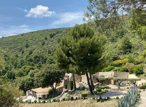 Un lieu unique en Provence (1)