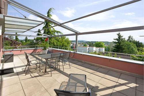 4½ Zimmer-Terrassenhaus in Kloten an bevorzugter Lage mit grossen Terrassen