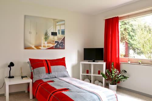 Modern möbliertes WG-Zimmer in Schwamendingen
