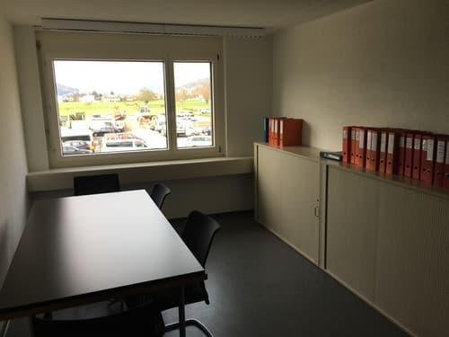 Heller Büroraum mit toller Weitsicht