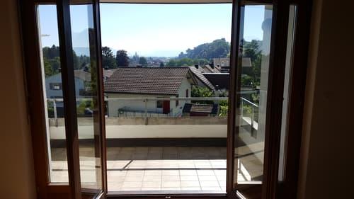 2.5-Zimmerwohnung mit sonnigem Balkon und tollem Ausblick