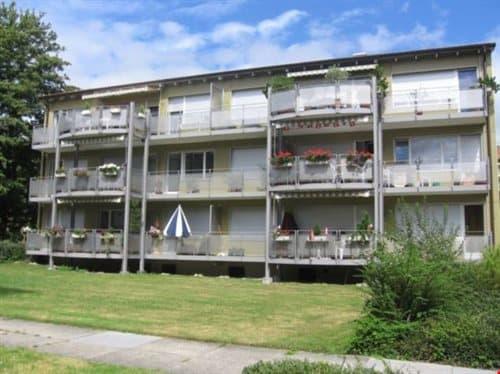 helle 4 ½ Zimmerwohnung mit Balkon