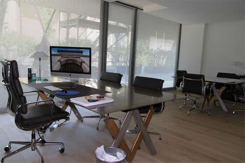 Grande ufficio moderno e luminoso