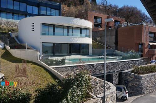 Esclusiva villa con stupenda vista lago a Lugano