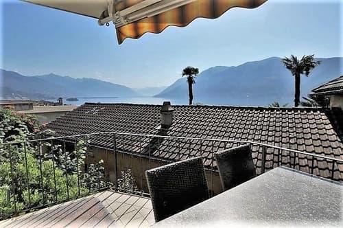 3 1/2-Zimmer-Garten-Wohnung mit 3 Balkonen und Seeblick / appartamento di 3 1/2 locali con 3 balconi con vista lago (1)