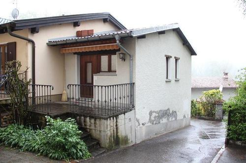 2-Zimmer-Hausteil mit kleiner Terrasse
