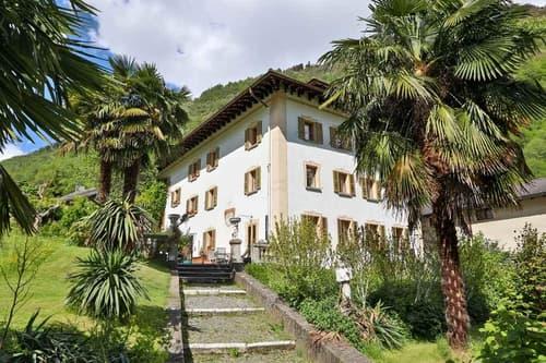 schöne 5 1/2-Zimmer-Duplex-Wohnung mit grossem Garten / bell'appartamento duplex di 5 1/2 locali con giardino