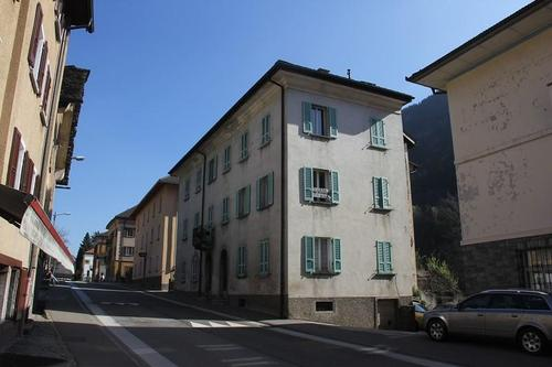 7-Familienhaus zum Ausbauen mit Ausbaubewilligung  / casa plurifamiliare di 7 appartamenti da risturutturare con licenza edilizia