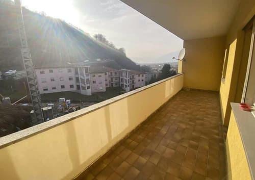 3 1/2-Zimmer-Wohnung mit Balkon und Aussicht