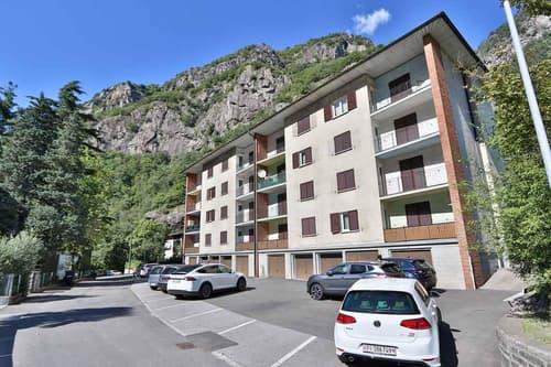 Mehrfamilienhaus mit 16  teilweise renovierten 3 1/2-Wohnungen / Casa plurifamiliare con 16 appartamenti di 3 1/2 locali