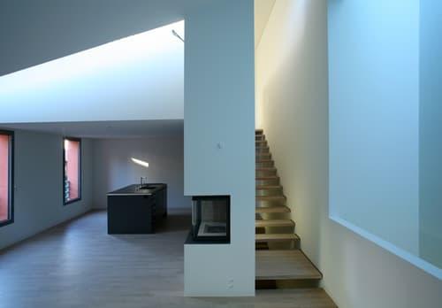 Lugano-Bissone: particolare casa nel nucleo di Bissone