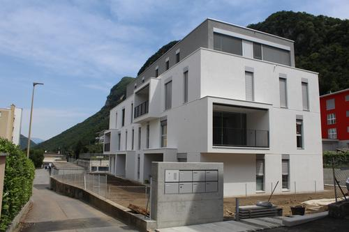 Nuova residenza di sole sette unità in posizione tranquilla e comoda.