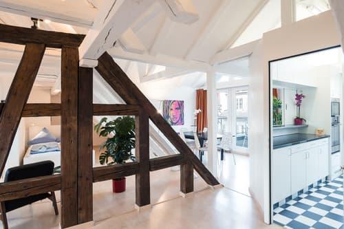 Wunderschöne und einzigartige 3.5 Zimmer Wohnung mit Blick auf Reuss und Kapellbrücke