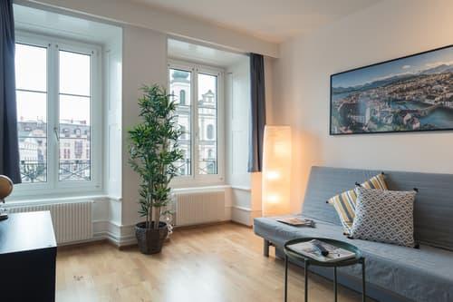 Elegante und modern eingerichtete 3 Zimmer Ferienwohnung an einzigartiger Lage in der Altstadt