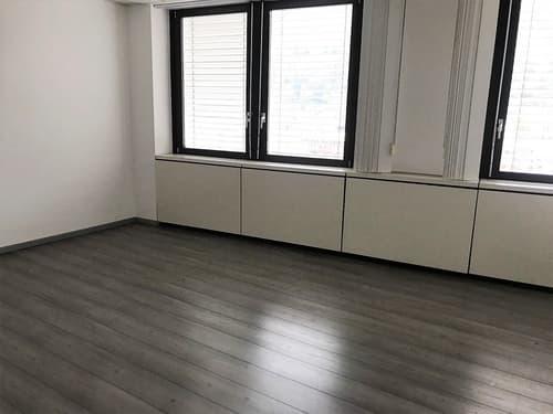 Chiasso, ufficio openspace di 120 mq