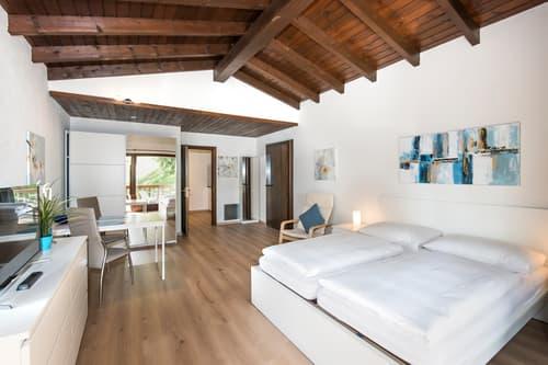 Appartamento arredato in residence con piscina