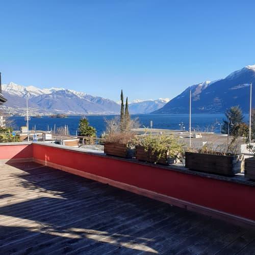 Winebar, bar lounge, spazioso  app. 2.5 locali e casetta - con bellissima vista lago