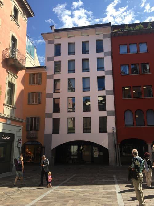Lugano Centro - prestigioso ufficio con vista lago