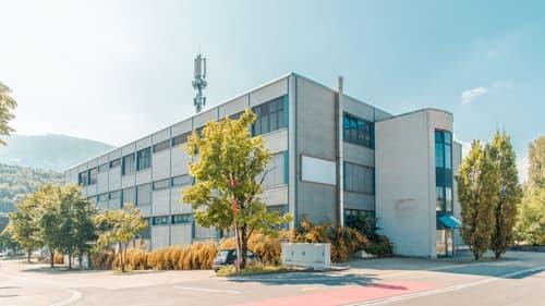 Grosszügige Gewerbe- und Büroflächen 3'160 m²