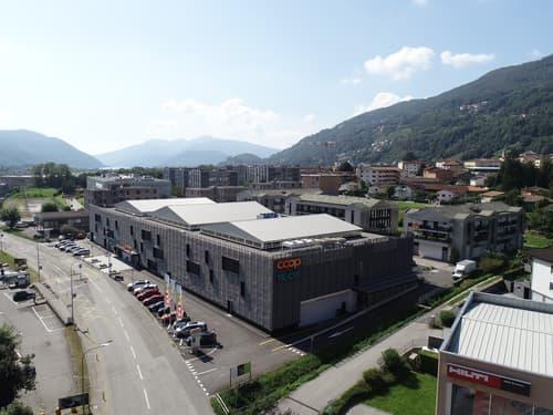 Interessanti spazi commerciali modulari / Attraktive Geschäftsflächen nach Ihren Wünschen